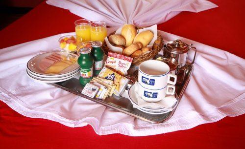img-suite-50tons-breakfast-golf-motel