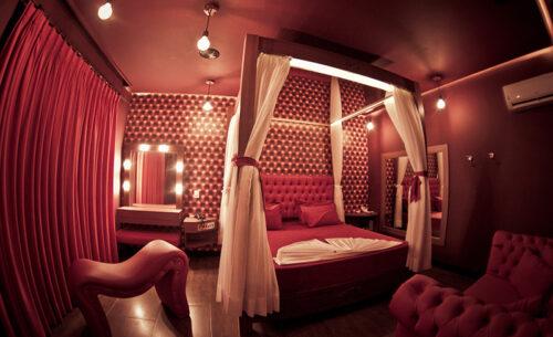 img-suite-50tons-espreguicadeira-luzes-golf-motel