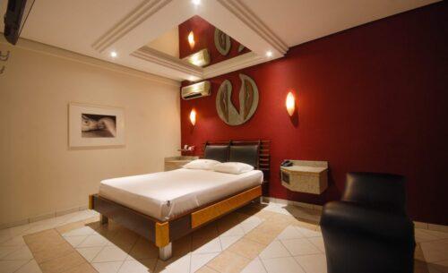 img-suite-hidro-espelho-golf-motel