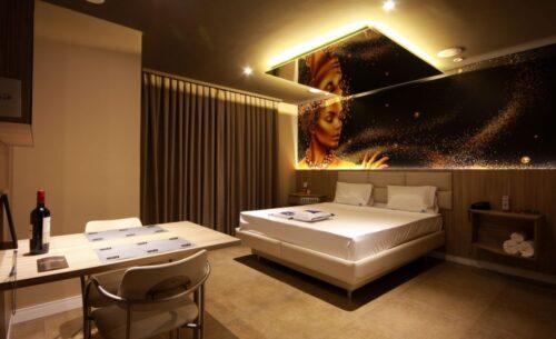 img-suite-hidro-nova-garagem-luz-no-teto-golf-motel
