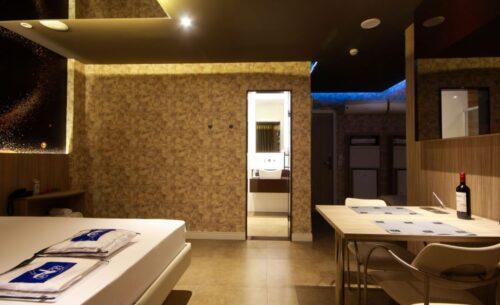 img-suite-hidro-nova-garagem-vinho-golf-motel