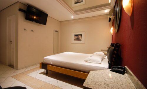 img-suite-hidro-tv-golf-motel