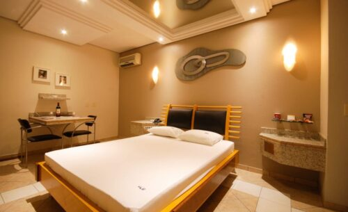 img-suite-luxo-cama-golf-motel