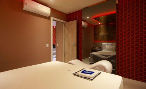 img-suite-piscina-premium-ar-condicionado-golf-motel