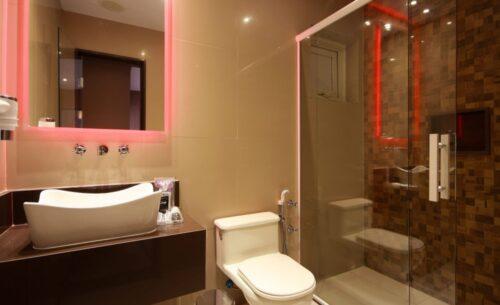 img-suite-piscina-premium-banheiro-golf-motel