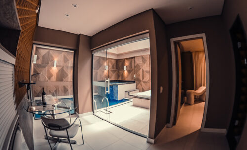 img-suite-piscina-premium-cadeira-golf-motel