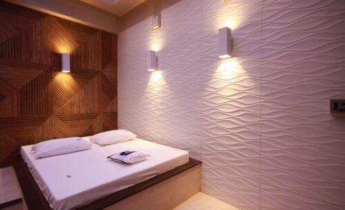 img-suite-piscina-premium-luminarias-golf-motel