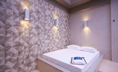 img-suite-piscina-premium-toalha-golf-motel