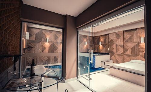 img-suite-piscina-premium-visao-panoramica-golf-motel